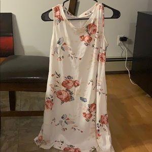 Dresses & Skirts - White Casual summer dress